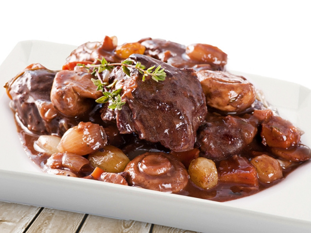 Beef Casserole with Redcurrant & Juniper Jelly