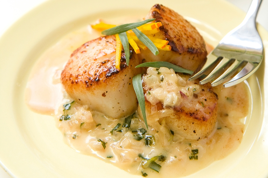 Scallops with Vermouth, Lemon & Tarragon Sauce